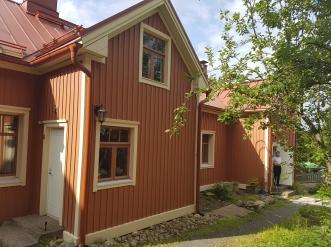 Das Haus auf der Gartenseite